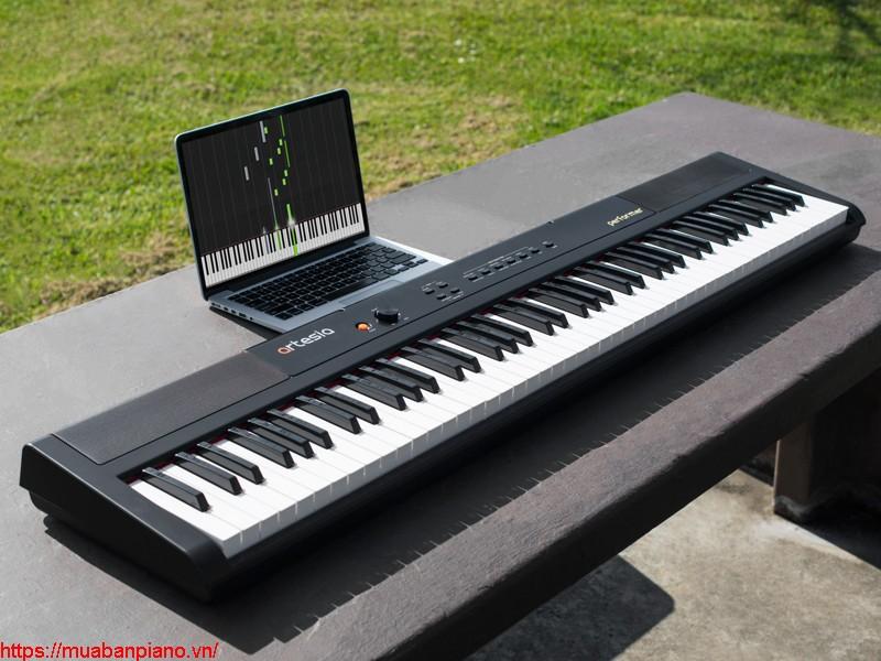 piano Artesia Performer